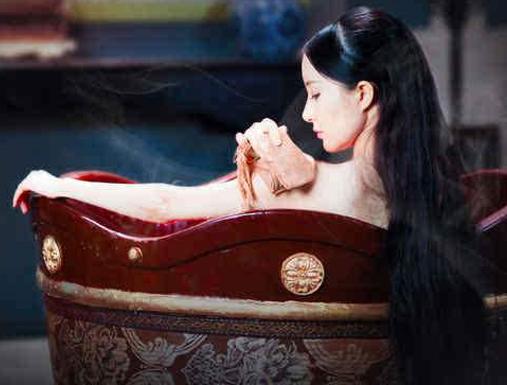 【暴走老司机】金庸男神才是撩妹能手 杨过要亲妹子眼睛 欧阳克酷爱黄蓉脚趾!