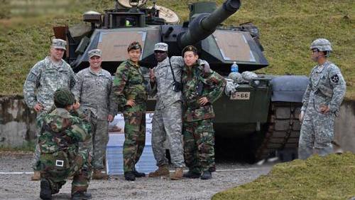 美军在韩举行实弹演习