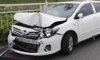 女子开车闹乌龙 撞车后发现开错车