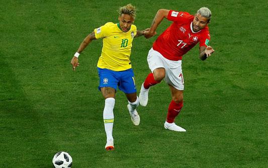 巴西官方回应内马尔伤情:他自己说膝盖不舒服