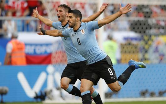 乌拉圭3-0胜俄罗斯夺头名 苏神贴地斩卡瓦尼破门