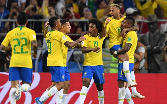 暴力鸟建功席尔瓦头球 巴西2-0塞尔维亚小组头名出线