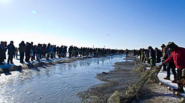 查干湖迎来一年一度冬捕季
