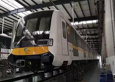 西南首条无人驾驶地铁线开始新车调试