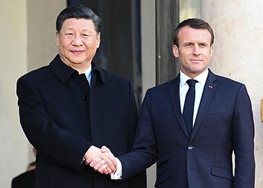 习近平会见法国总统