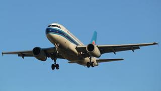多家航空公司恢复热食供应
